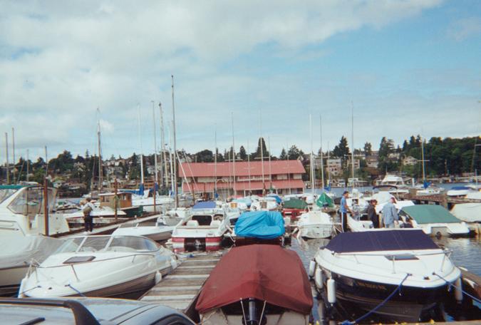 Paladino_houseboat